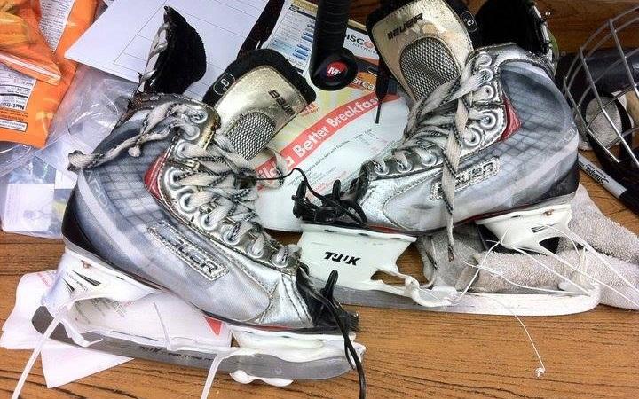 How to Bake Hockey Skates at Home